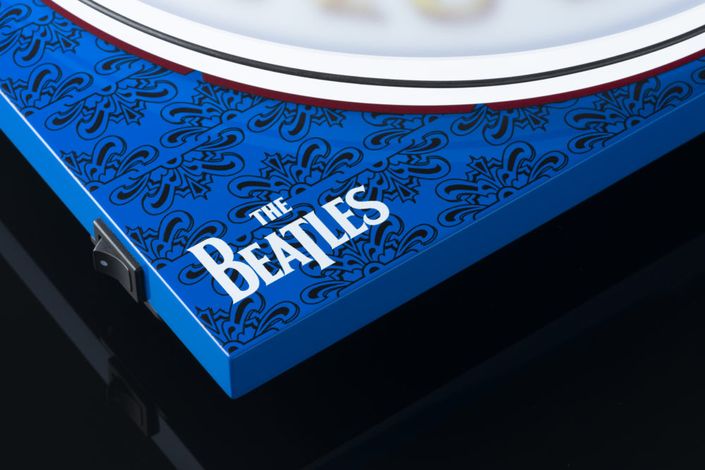 Pro-Ject Essential III Sgt. Pepper's Drum